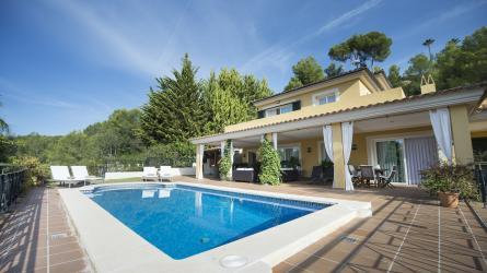 dXBsb2Fkcy9wcm9wX2ltYWdlcy9NUC0xMzAwLw==/property-for-sale-in-mallora-bendinat-calvia--MP-1300-00.jpg