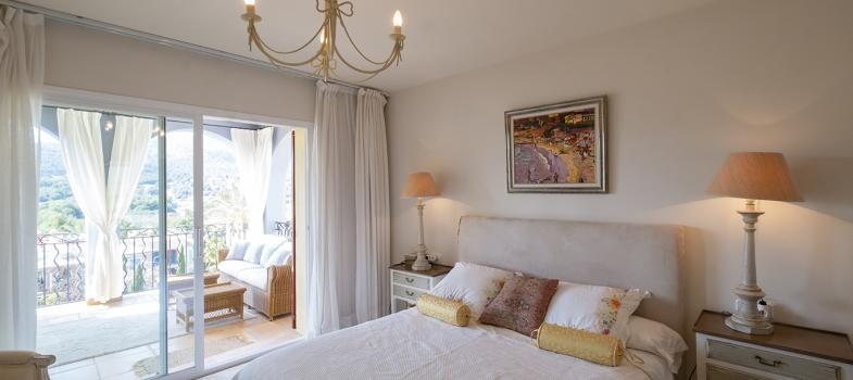 herrliches-penthouse-mit-4-schlafzimmer-und-fabelhaftem-ausblick