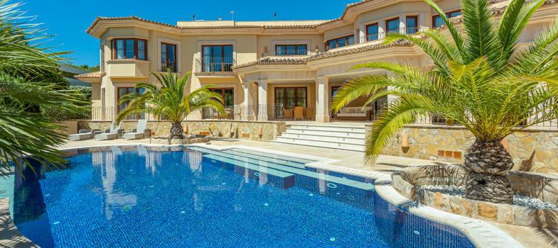 stylish-luxury-mansion-in-an-exclusive-location