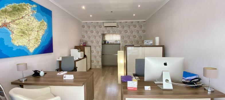 for-rent-office-shop-in-centre-of-portals-nous